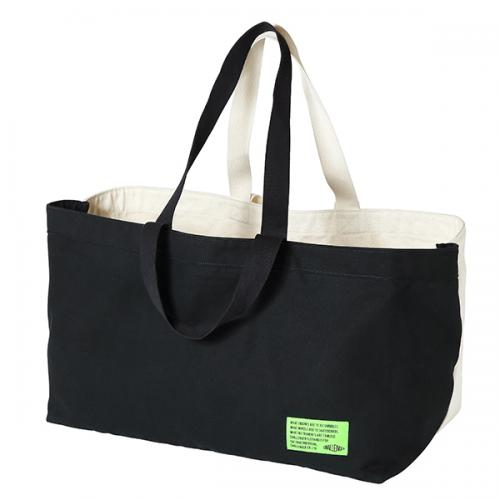 xBLK PINE CHILLING TOTE BAG